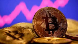 Read more about the article Bitcoin slips nearly 5% after China's central bank vows to crack down on crypto trading