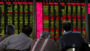 Read more about the article Bourse turns bearish, KSE-100 index falls 378 points