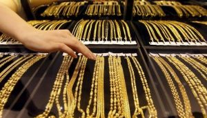 Read more about the article Falling gold price in Pakistan boosts seasonal demand